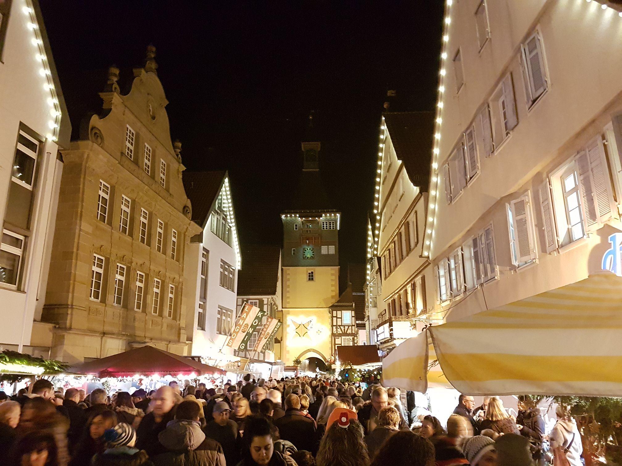 Weihnachtsmarkt Winnenden.Waffelbacken Für Die Winnender Bürgerstiftung Vds